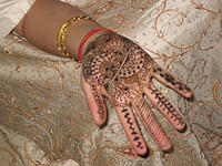 100% cool henna. That's Mala's hand, the sister of the bride and Jay's friend from school.