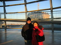 Matt and Meli and the Reichstag at the Reichstag