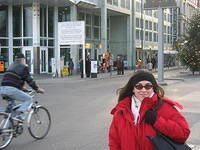 Meli at Checkpoint Charlie