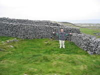 Matt finds the place where he would have built his house if he had been an ancient Celt living in Dun Aenghus and had been impor